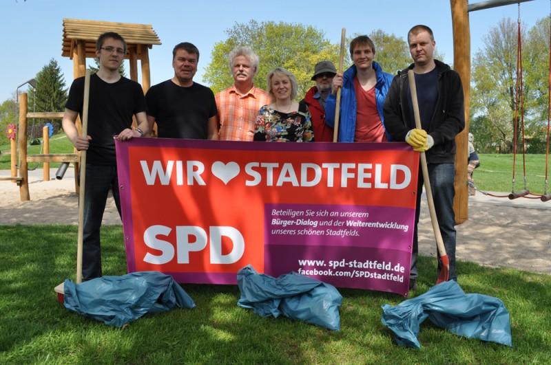 SPD-Frühjahrsputz auf dem Spielplatz am Europaring